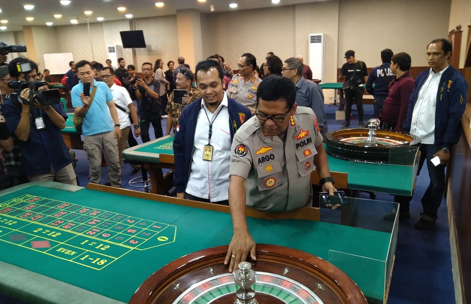Life, Fatality And Casino Poker